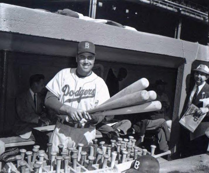 1952-duke-snider-at-ebbets-field-dugout-2